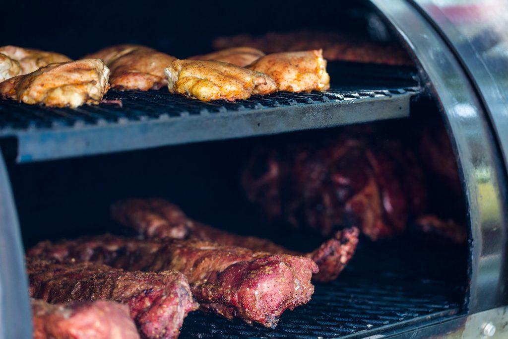 מעשנת בשר מקצועית