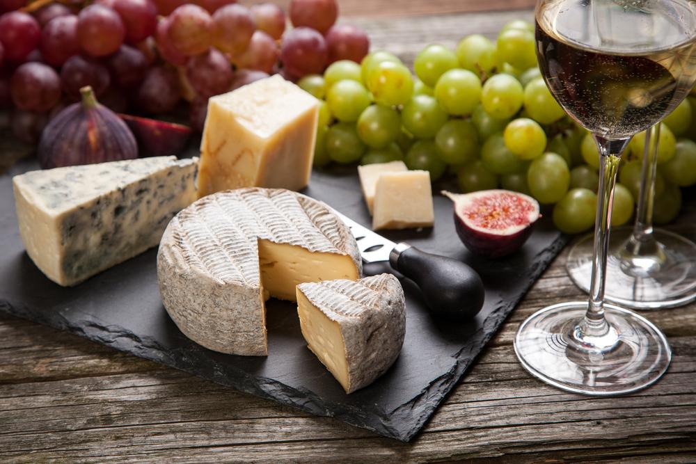 טעימות יין וגבינות